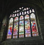 Une scène de nativité d'hublot de cathédrale en verre souillé Images libres de droits