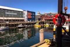 Une scène tranquille sur une de Portland héberge des docks photographie stock libre de droits
