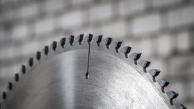 Une scie de circulaire image stock