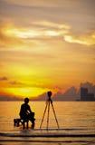 Une silhouette de photographe Images libres de droits
