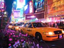 Une soirée chaude de mai dans le Times Square images libres de droits