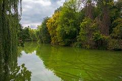 Une soirée tranquille sur l'eau dans Uman Photos stock