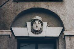 Une tête de visage d'une sculpture en femme Images stock