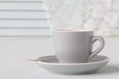Une tasse blanche pour le café photographie stock libre de droits
