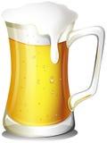Une tasse complètement de bière froide illustration stock
