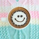 Une tasse d'art de latte image stock