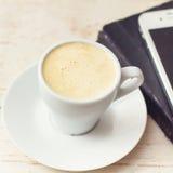 Une tasse d'expresso de café Photographie stock libre de droits