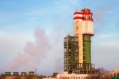 Une usine pour l'industrie chimique de production Photos stock