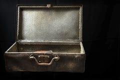 Une valise vide Concept de déplacement image libre de droits