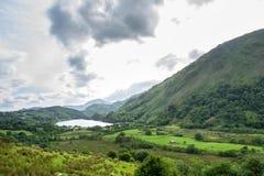 Une vallée près de la montagne de Snowdon dans Snowdonia Photographie stock libre de droits