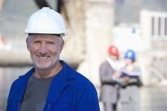 Une verticale d'un ingénieur d'expédition Photo libre de droits