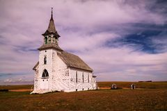 Une vieille église dans le Dakota du Nord Photographie stock libre de droits