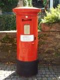 Une vieille boîte de lettre anglaise Photo stock
