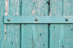 Une vieille charnière de porte. image stock