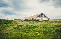 Une vieille ferme abandonnée Photographie stock