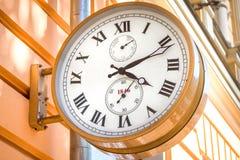 Une vieille horloge de rue Photos stock