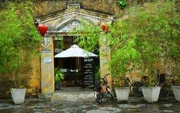 Une vieille maison en ville de Hoi An images libres de droits