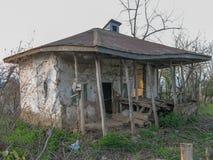 Une vieille maison rurale dans la campagne, Iran, Gilan, Asie photos libres de droits