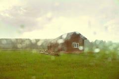 Une vieille maison sur la prairie Photos libres de droits