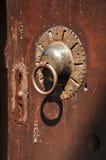 Une vieille porte images stock