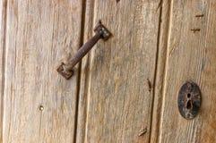 Une vieille porte d'une maison traditionnelle de berbers photos stock