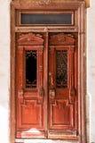 Une vieille porte en bois Image libre de droits