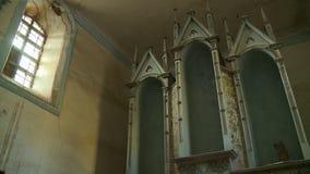 Une vieille structure au foyer clips vidéos