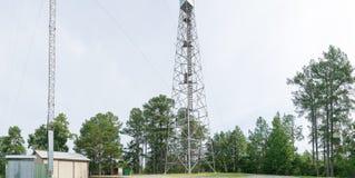 Une vieille tour de feu rurale au Mississippi du nord Image stock
