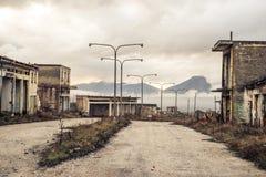 Une ville abandonnée dans Ptolemaida Grèce images libres de droits