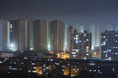 Une ville chinoise typique, nuit luttent Image stock