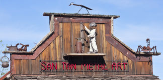 Une ville fantôme San Tan Metal Art Sign de terrain aurifère Images libres de droits