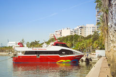 Une vision de bateau se tient sur le dock, Alicante, Espagne Photos stock