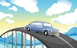 Une voiture à la route Photos libres de droits