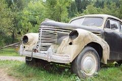 Une voiture est a Photographie stock