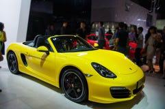 Une voiture jaune de Porsche image libre de droits
