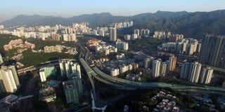 Une vue aérienne d'horizon de smokey Hong Kong banque de vidéos