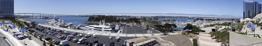 Une vue aérienne de jour d'Embarcadero Marina Park South image libre de droits