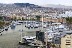 Une vue aérienne de port Vell, Barcelone Photo stock