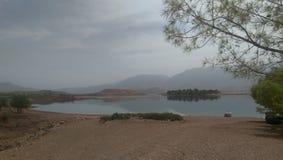 une vue d'EL Ouidane, Maroc de poubelle photographie stock