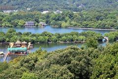 Une vue d'oeil d'oiseau du lac occidental de hangzhou images libres de droits