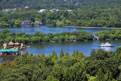 Une vue d'oeil d'oiseau du lac occidental de hangzhou Photos libres de droits