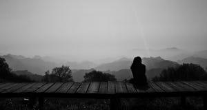 Une vue d'un dos de jeune fille Photographie stock