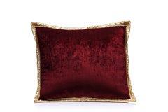 Une vue d'un oreiller rouge Photos stock