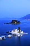 Une vue d'une île de monastère et de souris de Vlacherna photo stock