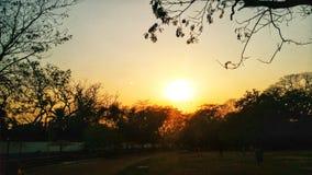 Une vue de coucher du soleil images libres de droits