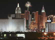 Une vue de feux d'artifice de casino de New York d'aéroport de McCarran Photographie stock libre de droits
