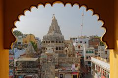 Une vue de Jagdish Temple dans Udaipur par le cadre Photos stock