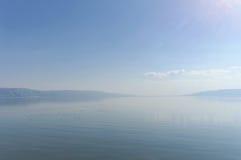 Une vue de l'étendue de la mer de la Galilée Photographie stock libre de droits