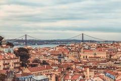 Une vue de l'Alfama du centre, Lisbonne, Portugal Photographie stock libre de droits