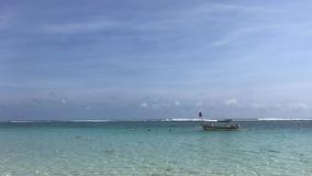 Une vue de l'océan et de l'horizon Île tropicale de Bali, Indonésie vidéo 4K clips vidéos